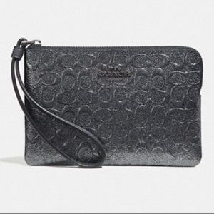 NWT Coach Logo Debossed Wristlet Charcoal